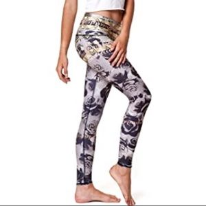 Teeki desert rose hot pant Aztec leggings